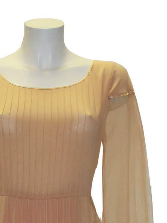 Персиковое шифоновое платье в пол